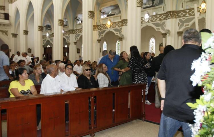 Realizan funeral de abogado asesinado en Las Acacias
