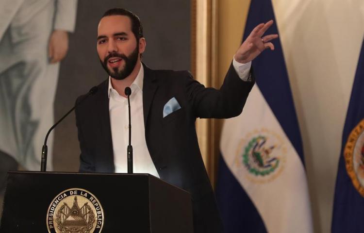 """Organizaciones denuncian """"estilo autoritario"""" del presidente de El Salvador"""