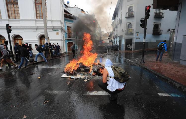 Ecuador bajo estado de excepción por protestas tras el alza del precio de los combustibles