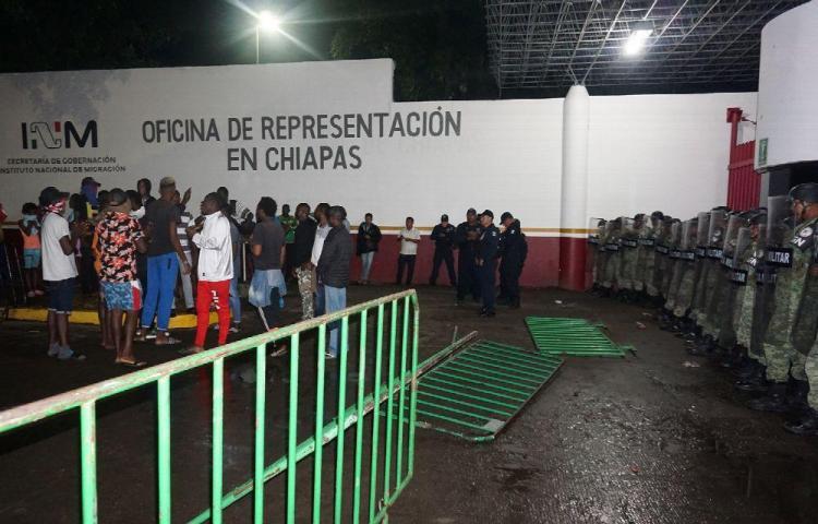 Migrantes y Guardia Nacional chocan en sur de México