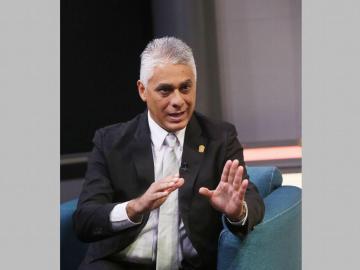Exministro ya no aspira en el panameñismo