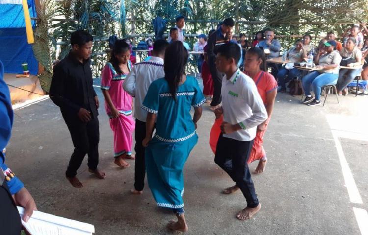 Escuelas lejanas de Bocas celebran a los campesinos