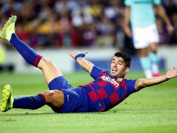 Suárez hará tratamiento médico en Barcelona