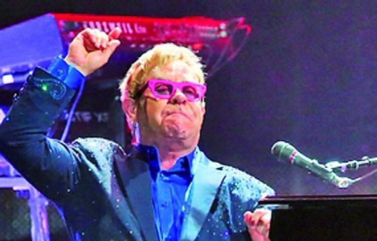 Elton John estuvo frente a la muerte