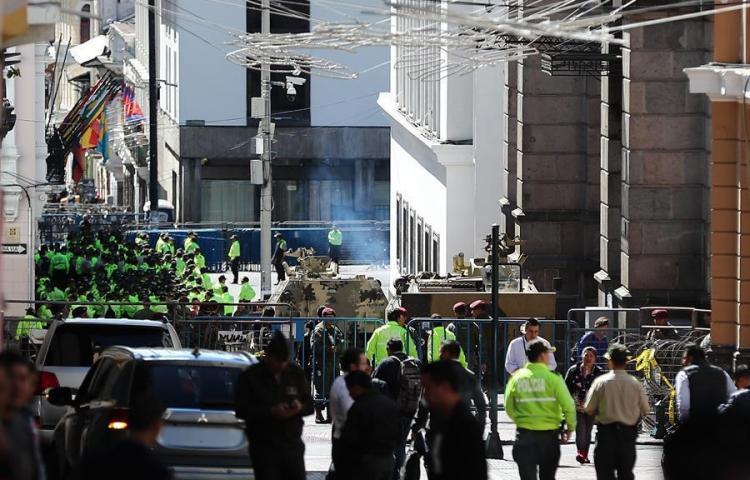 Sede presidencial de Ecuador se blinda ante llegada de manifestación indígena