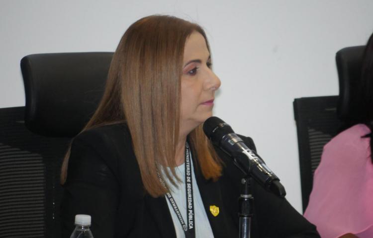 Samira Gozaine enfrenta cuestionario en la Asamblea