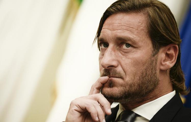 Francesco Totti se esconde por Italia en un nuevo reality