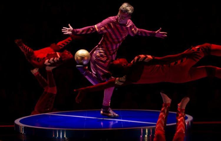 La magia del astro Messi ilumina la pista del Cirque du Soleil