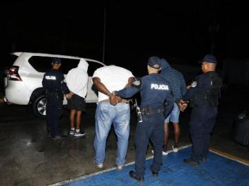 Andaban en taxi asaltando en paradas en Don Bosco