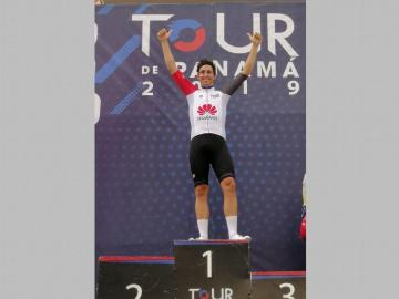 Fernando Grijalbaganóla cuarta etapadel Tour de Panamá.