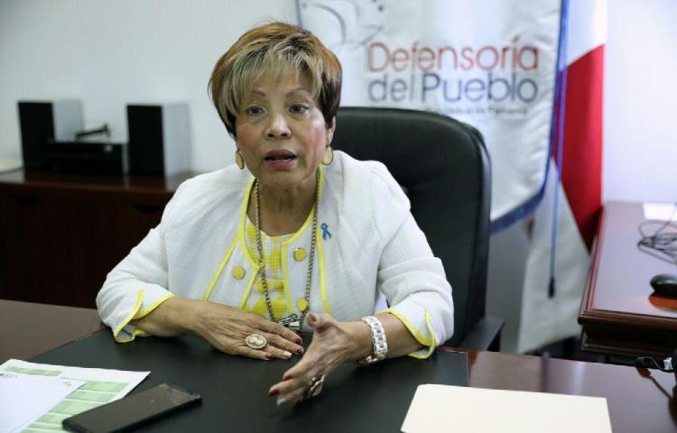 Defensora del Pueblo: 'voy para la calle porque soy una mujer luchadora'