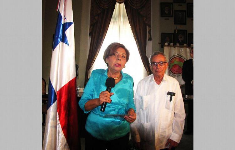 Solicitan al Mides firmar de ley de protección a los adultos mayores