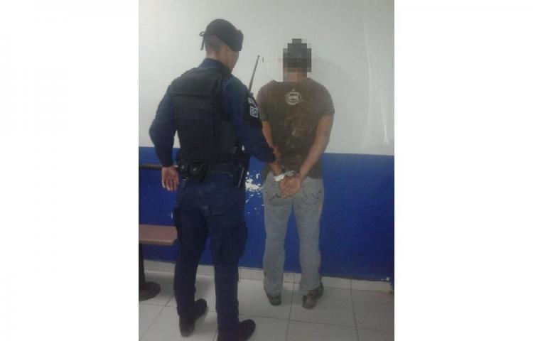 """PN captura en Barrio Balboa a tres presuntos ladrones del""""Justo y Bueno"""""""