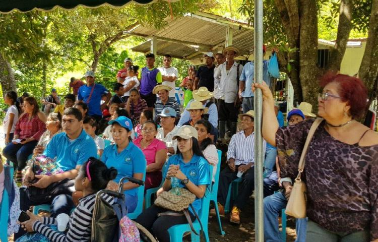 Buscan preservar el río Santa María en Veraguas