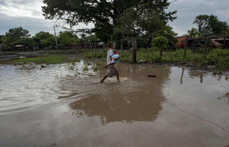Un muerto y dos hombres desaparecidos por lluvias