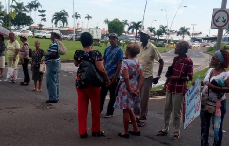 Jubilados y pensionados exigen respuestas en la calle