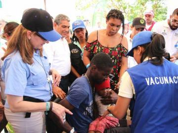 Migrantes que entren por Darién tendrán su tarjeta de vacunación
