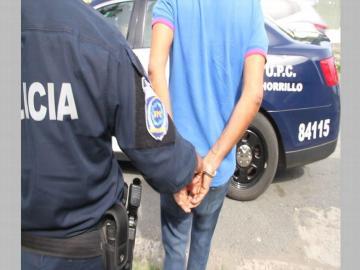 Tras allanamiento capturan en El Chorrillo a cabecilla de un grupo de estafadores