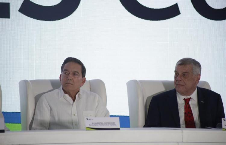 Gran planta de gas de Panamá está lista para abastecer a Centroamérica