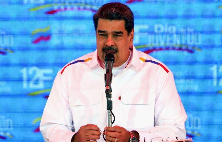 Maduro llama a consolidar 'cuerpos de combatientes' formados por obreros