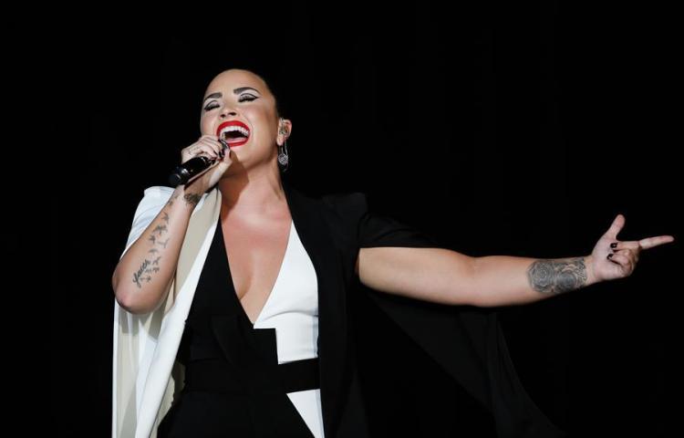 Filtran presuntos desnudos de Demi Lovato en su propia cuenta de Snapchat