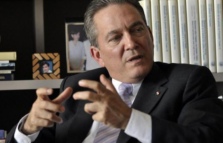 Alto funcionario cubano llegó a Japón para entronización de emperador