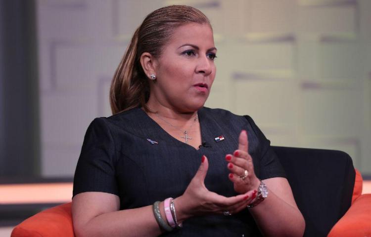 Inés Samudio: Se van a construir 20 mil casas