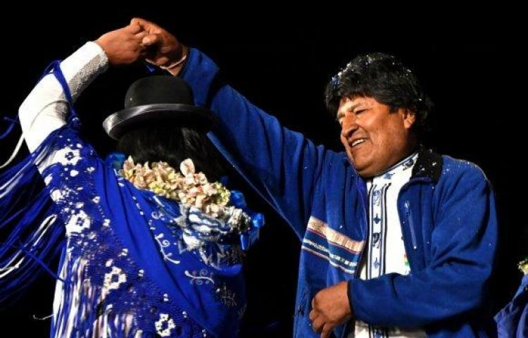 En medio de protestas, declaran a Evo Morales virtual ganador de las elecciones en Bolivia