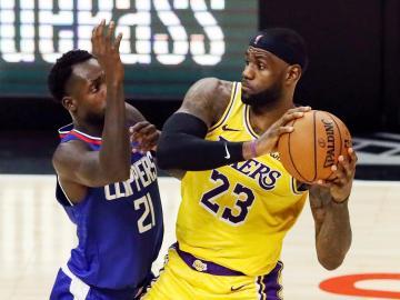 James y Curry son los mejor pagados de la NBA