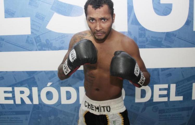 'Chemito' Moreno no peleará este jueves, se encuentra en el hospital