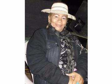 Realizan las honras fúnebres de la cantalante Emérita Castillo