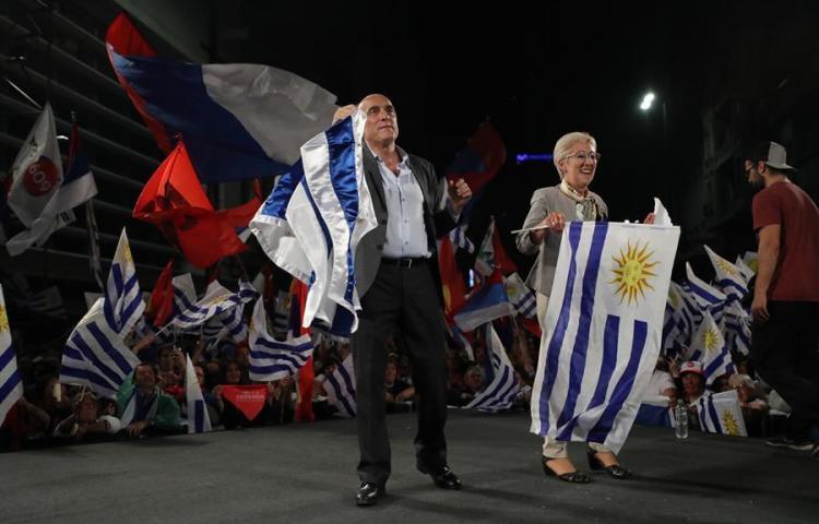Uruguay iría a una segunda vuelta electoral, escrutado el 19 % de los votos