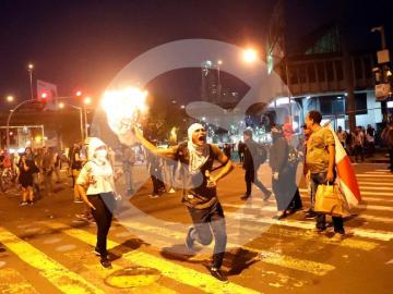 Nuevo día de protestas, manifestantes arremeten contra la sede del partido PRD