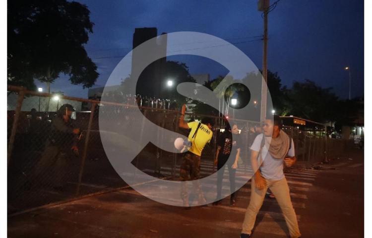 Detenciones y enfrentamientos forman parte del tercer día de protestas