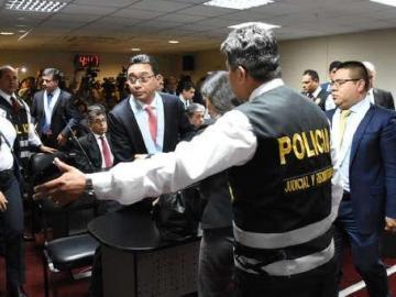 Dictan prisión preventiva a 14 árbitros que favorecieron a Odebrecht en Perú