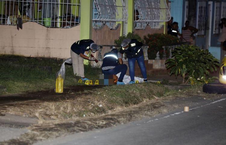 Acaban a balazos a un ex convicto taxista