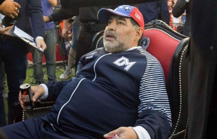 Maradona no dejará herencia a sus hijas