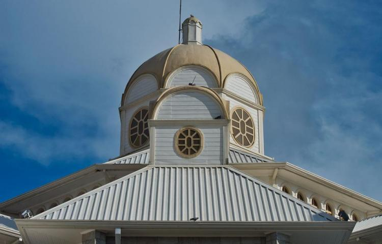 Iglesia de Costa Rica separa a cura sospechoso de abandonar un niño migrante