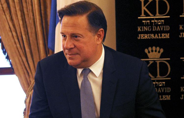 Varela denuncia ser espiado por su antecesor Martinelli