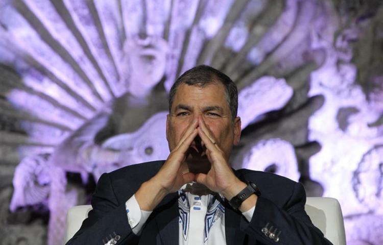 Correa se mofa de que se le persigue más que a Al Capone, Pinochet y al Chapo