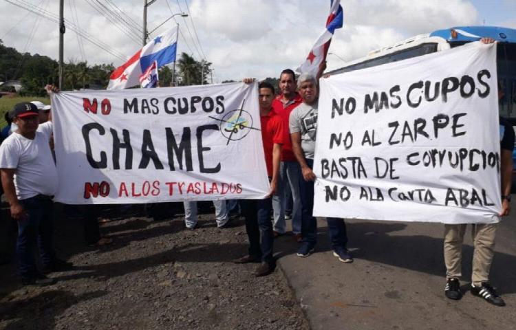 Transportistas siguen protestando por los cupos