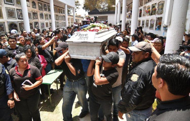 Joven muerto en protestas es despedido con clamor de justicia