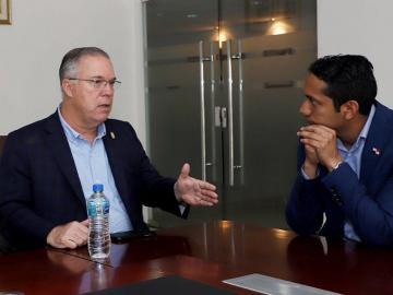 Municipio busca becar a jóvenes de extrema pobreza