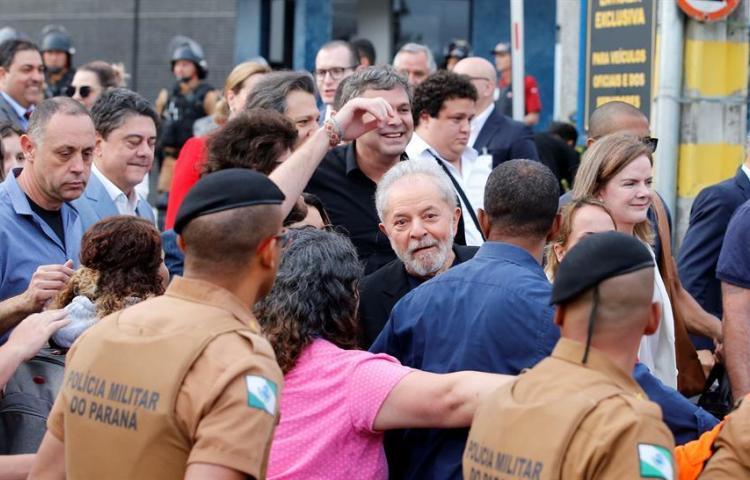 La izquierda latinoamericana celebra unánime la salida de Lula de la cárcel