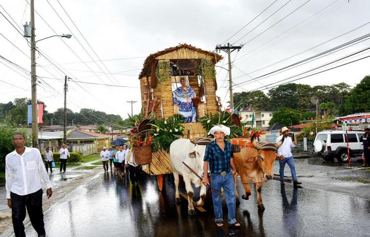 Santeños de San Miguelito celebrarán mañana el desfile de carretas típicas