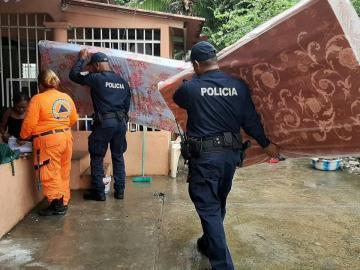 Sinaproc atiende a afectados por inundaciones