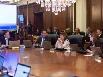 Gabinete aprueba medidas contra envío ilegal de remesas