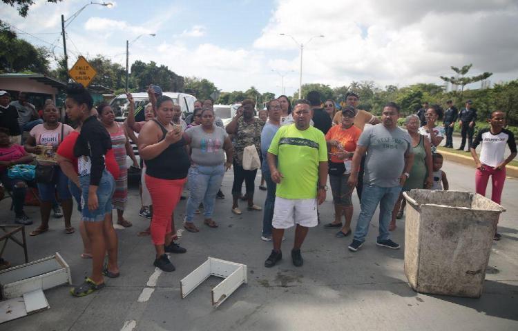 Moradores de Panamá Viejo exigen la eliminación de los 'medidores inteligentes'