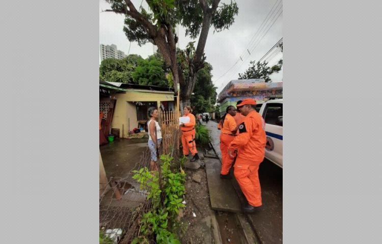Cada lluvia caída causa más y severos destrozos