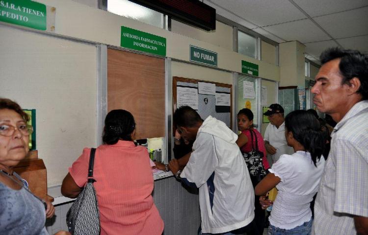 Comisión Sanciona política nacional de medicamentos
